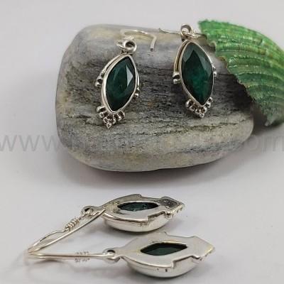Brincos em Prata com Esmeralda facetada