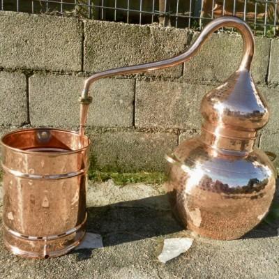Equipamento de destilação / Distillation equipment
