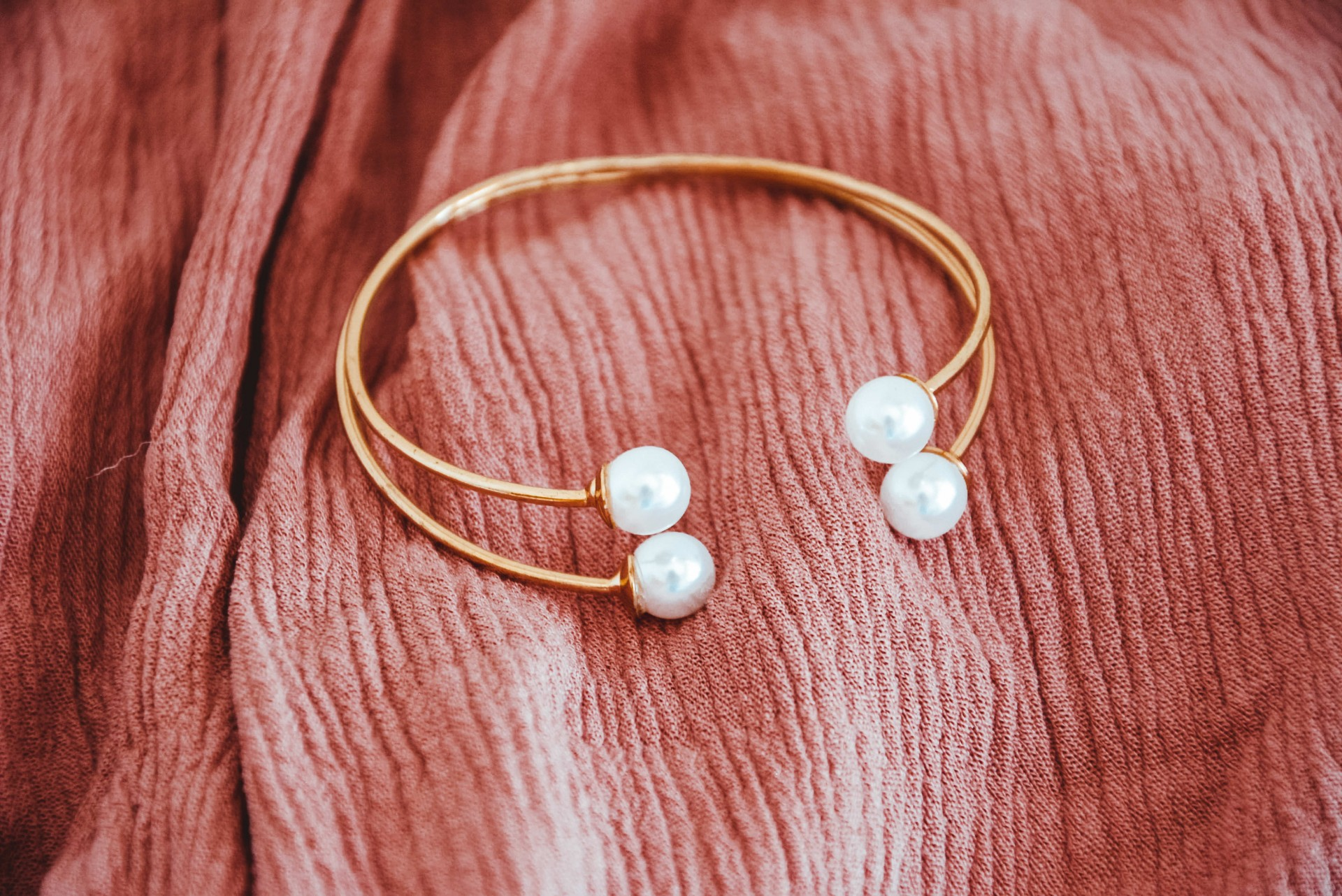 Pulseira - Double Gold Pearls