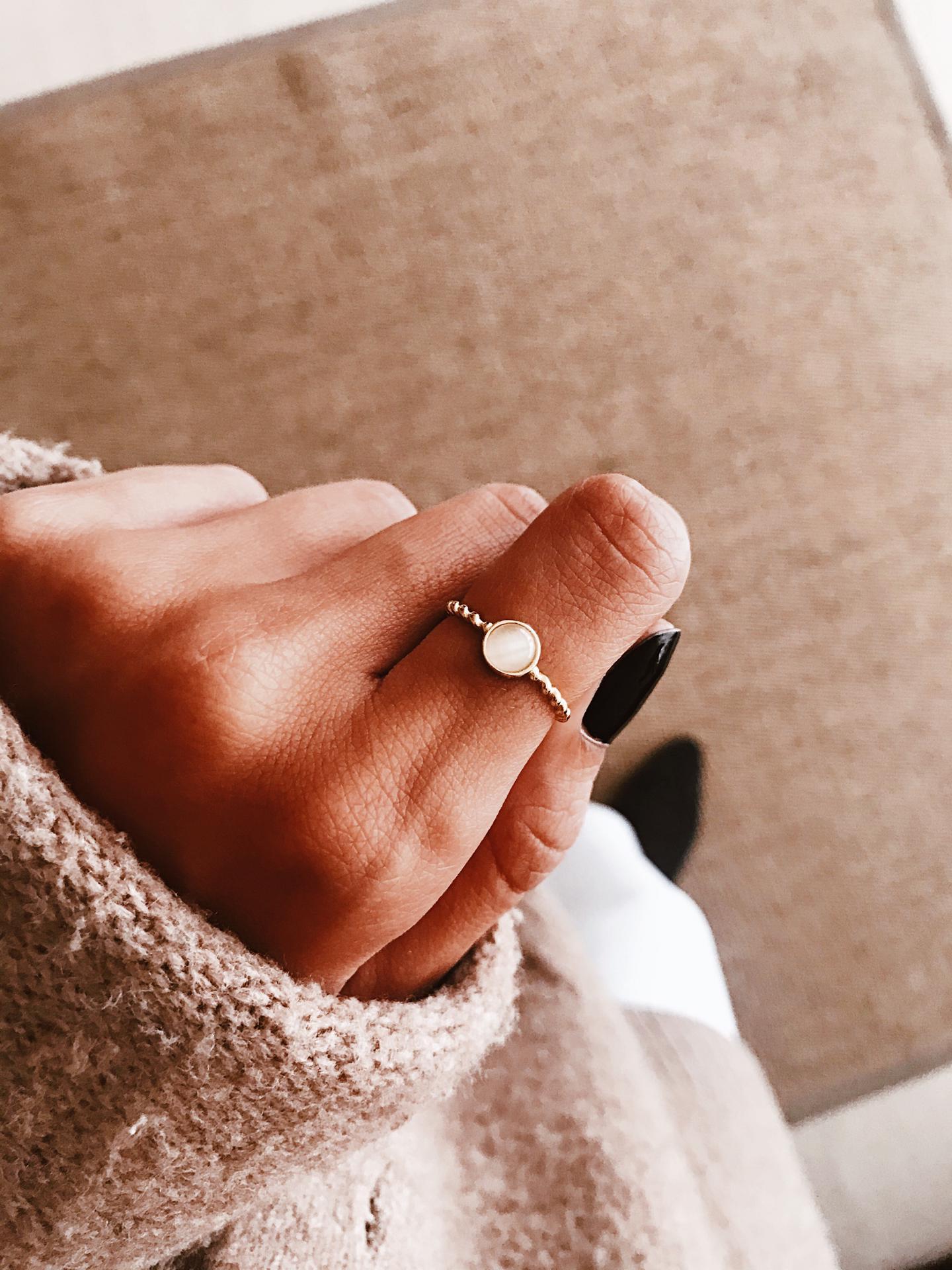 Anel em prata dourada - White Stone