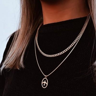 Colares em aço dourados - Gold Chain with Swallow