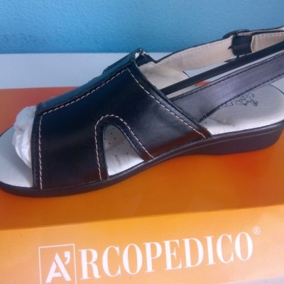 Sandalia Arcopedico san remo preto