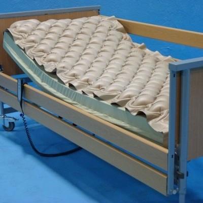 Sob Colchão de Pressão Alterna com compressor (suporta até 130kg)