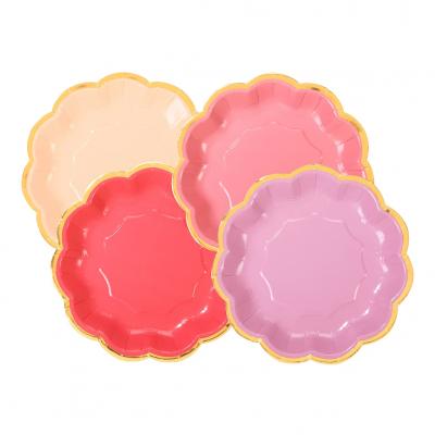 Pratos Rosas e Dourado