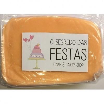 Pasta de Açúcar Bege