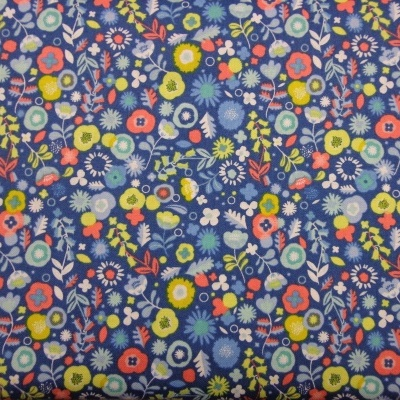 Floral em fundo azul