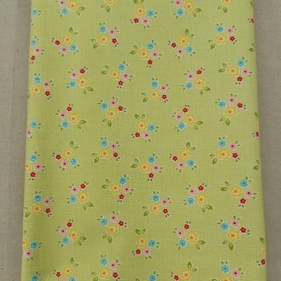 Tecido florinhas fundo verde