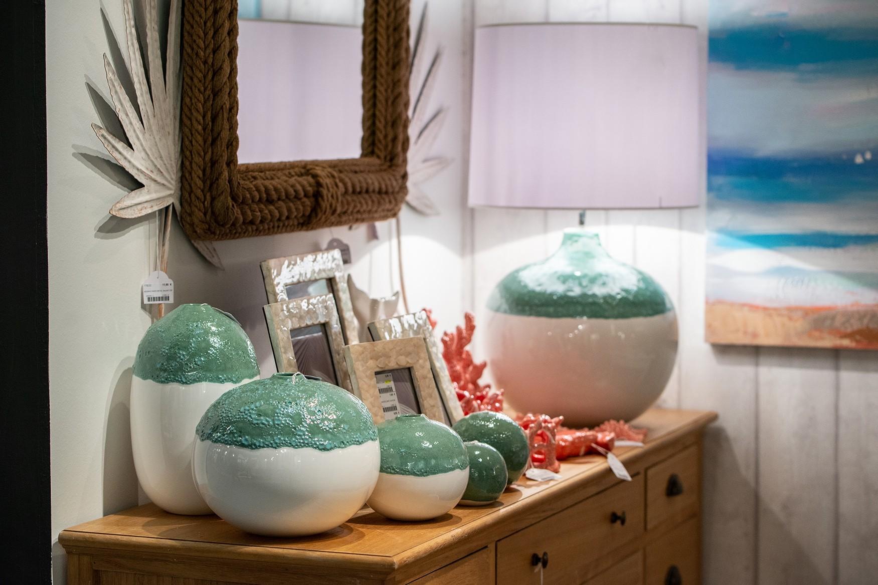 Jarra formato bola cerâmica grande verde água  23X23X20 CM