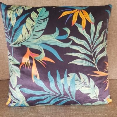 Almofada veludo azul estampado estrelicias e palma