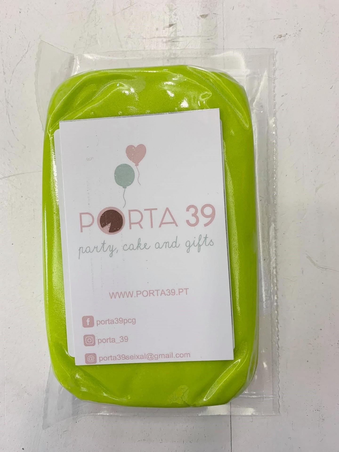 Pasta de açúcar verde florescente 250g