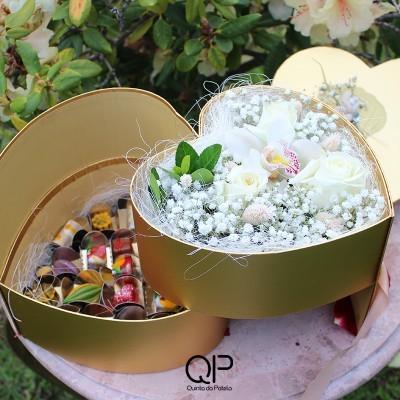 Caixa Coração com Flores e 20 Bombons