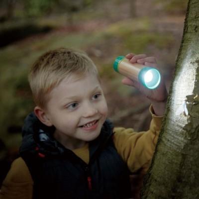 Lanterna de madeira