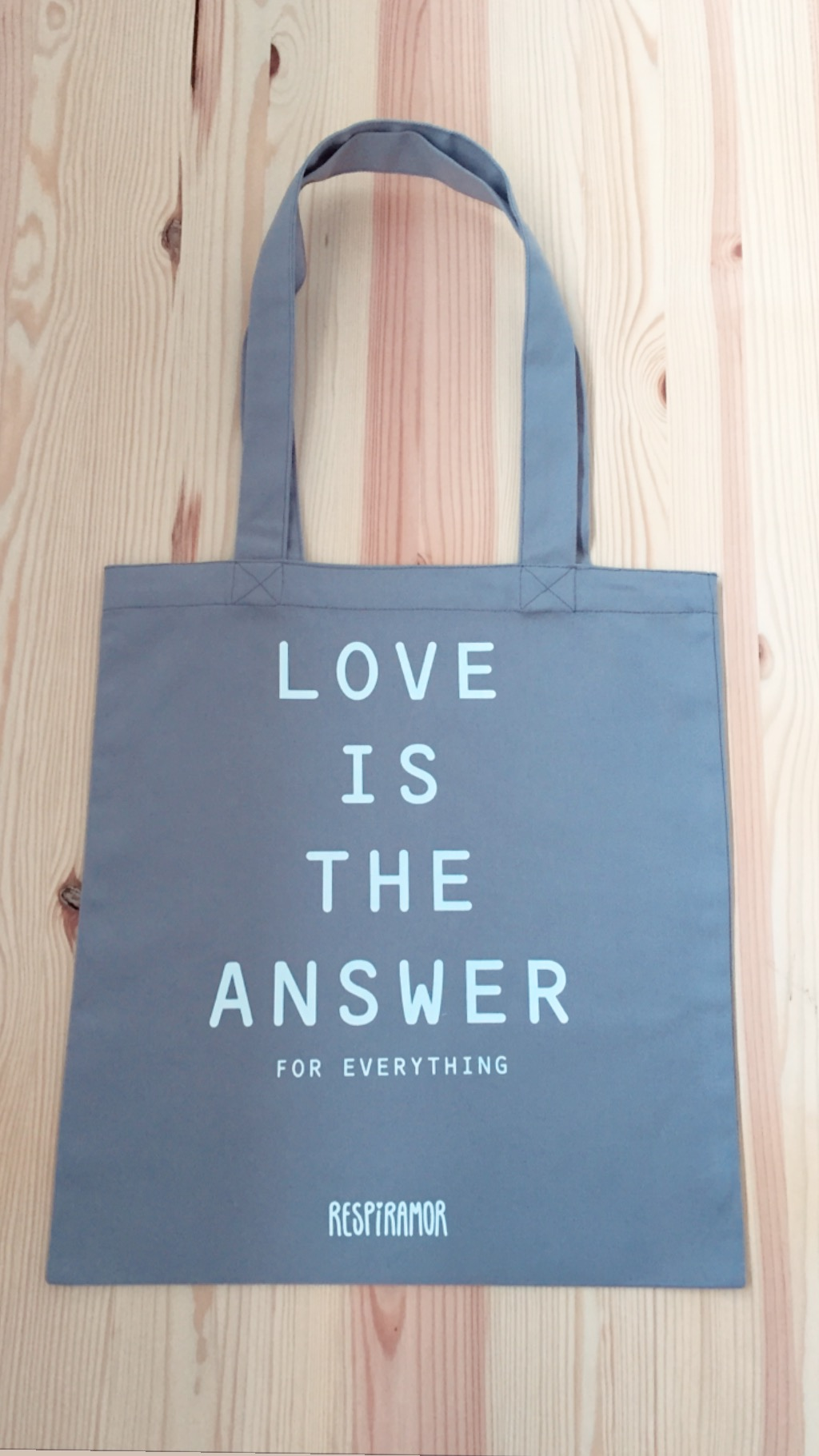 Tote Bag Cinza | Love Is The Answer