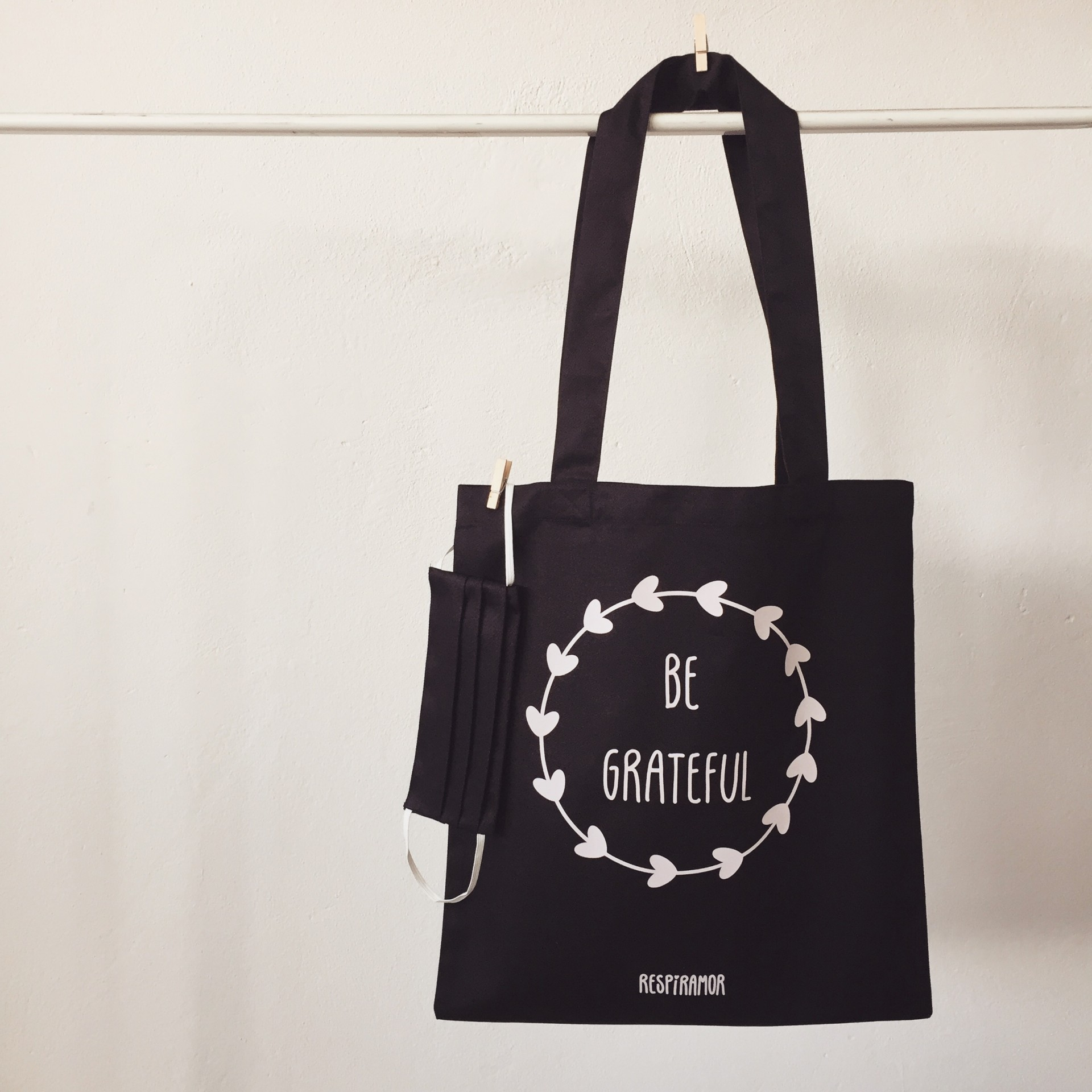 Tote Bag Preto | Be Grateful ~ OFERTA MÁSCARA