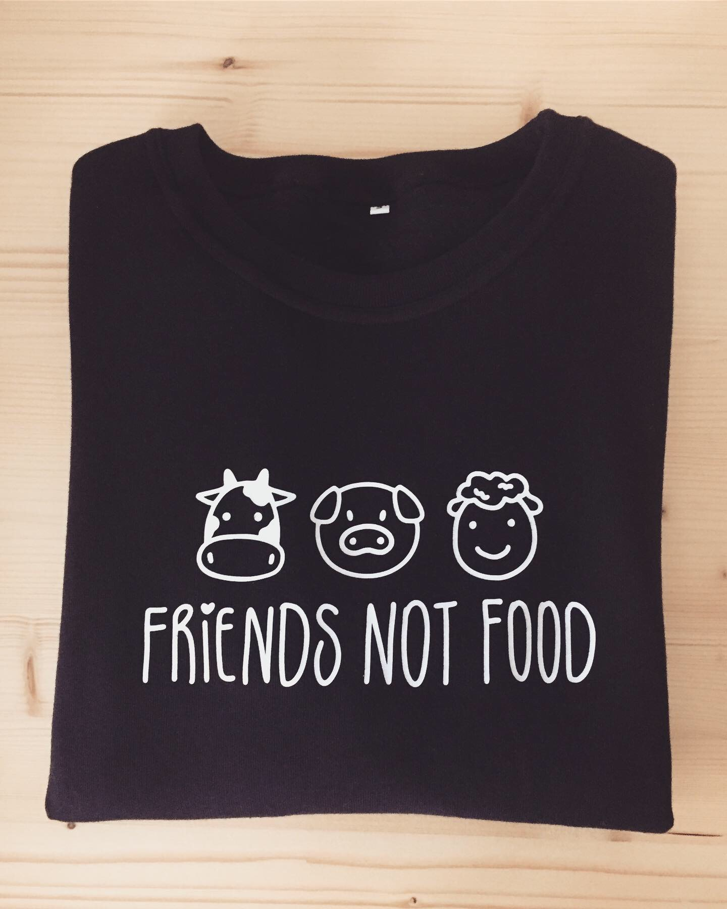 Sweatshirt Preta Friends Not Food