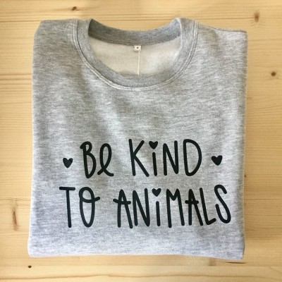 Sweatshirt Cinza Be Kind