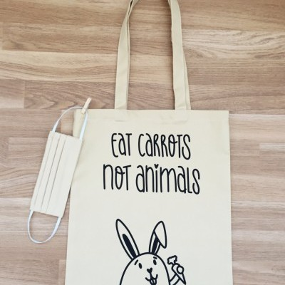 Tote Bag Bege | Eat Carrots ~ OFERTA MÁSCARA