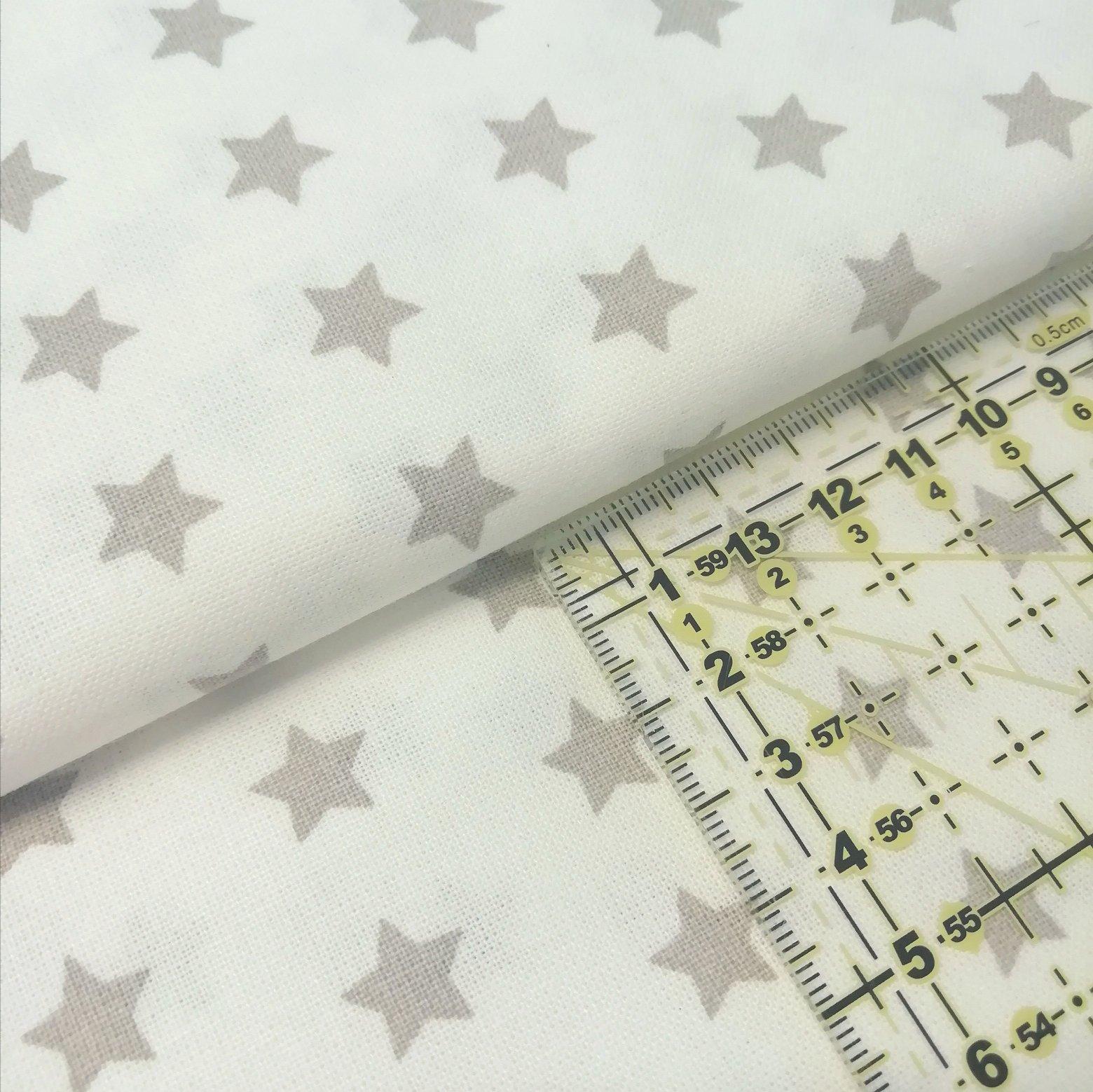 Tecido Estrelas cinza fundo branco