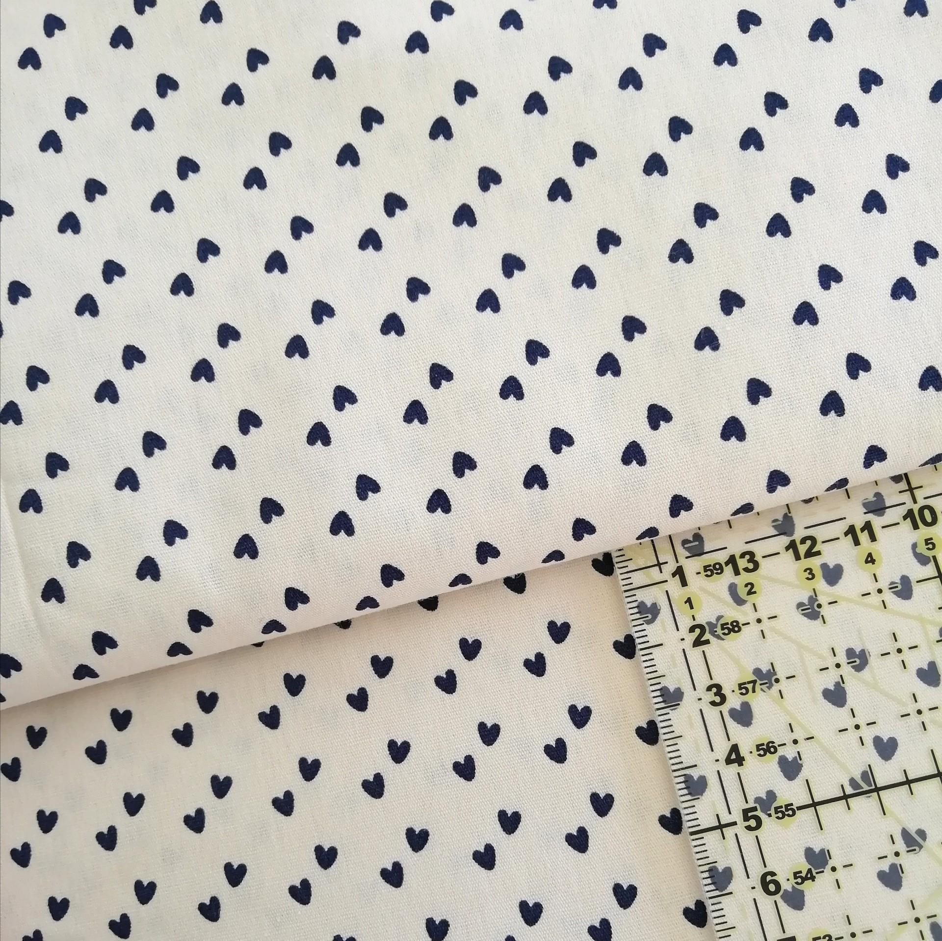 Tecido Fabricart - mini corações azuis