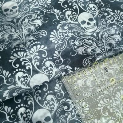 Tecido Dark Floral Skulls