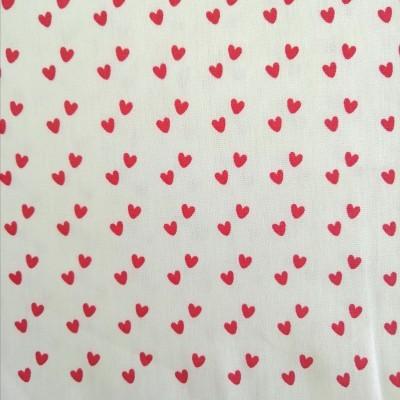 Tecido Fabricart - mini corações vermelhos