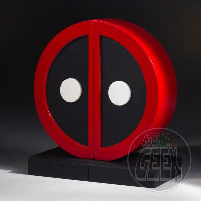 GENTLE GIANT Bookend Marvel Comics Deadpool Logo