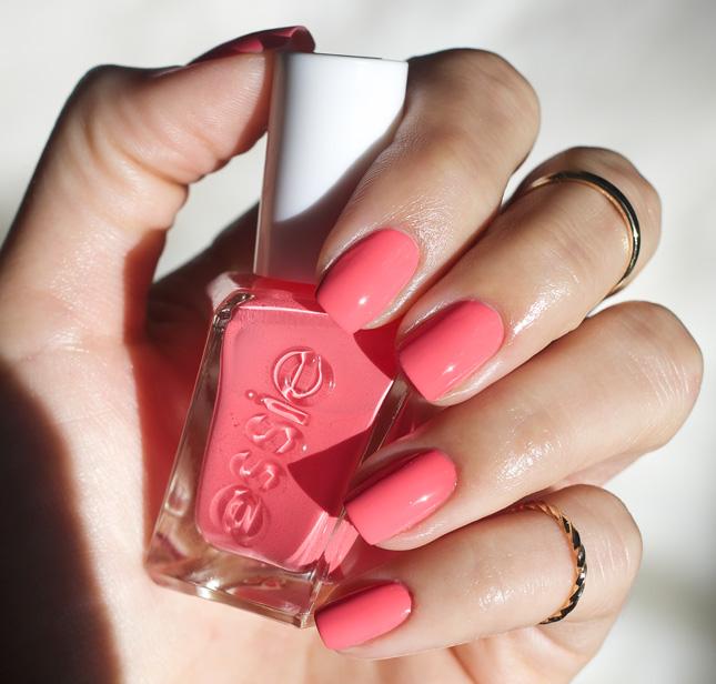 Essie Gel Couture 230 – Signature Smile