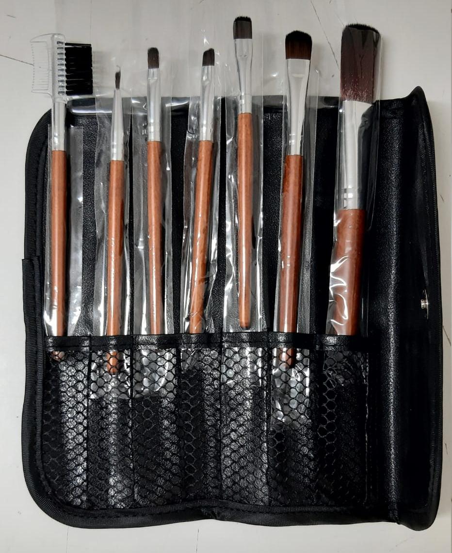 Conjunto de 7 pinceis de Maquilhagem com Bolsa