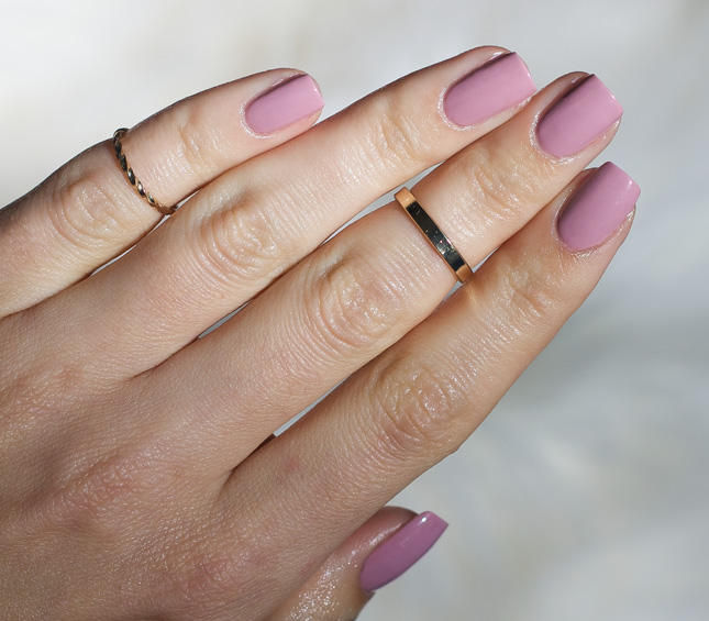 Essie Gel Couture 130 – Touch Up