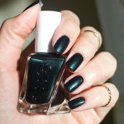 Essie Gel Couture 410 – Hang Up The Heels