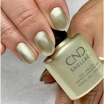 CND Shellac #00115 – Divine Diamond