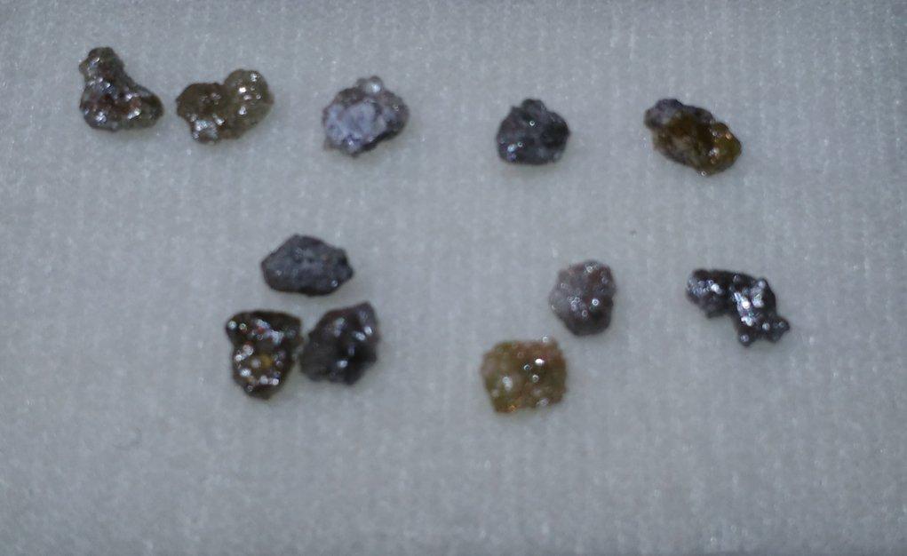 Diamante Bruto (0,3-0,4ct. quilates)