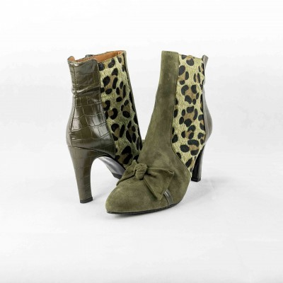 Botas Kaki :: Daniela Shoes