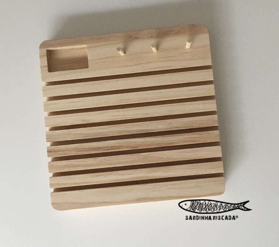 Organizador de madeira para réguas