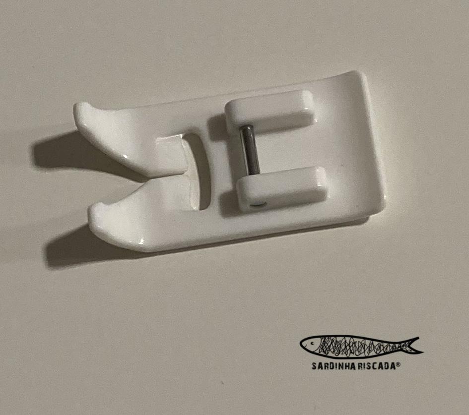 Calcador para tecidos plastificadoa