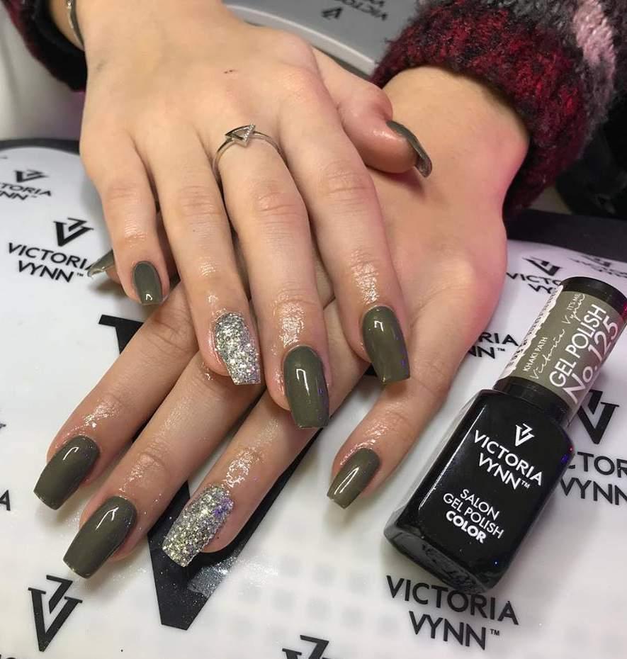 Victoria Vynn Verniz Gel Nº 125 - Khaki Path - 8 ml