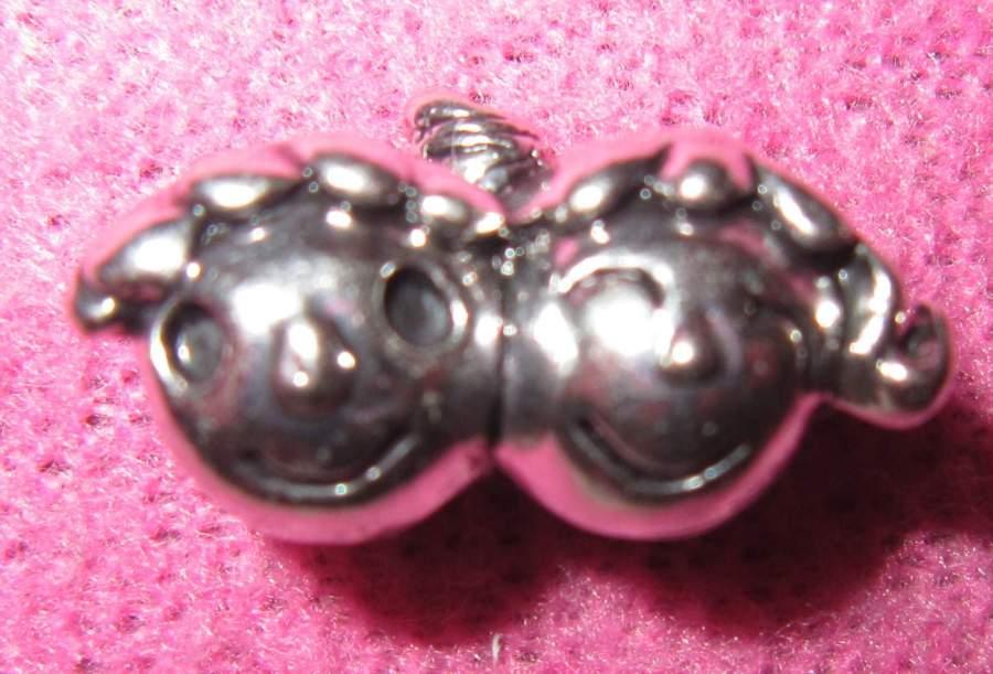 Pendente para pulseira tipo Pandora - Menino e Menina