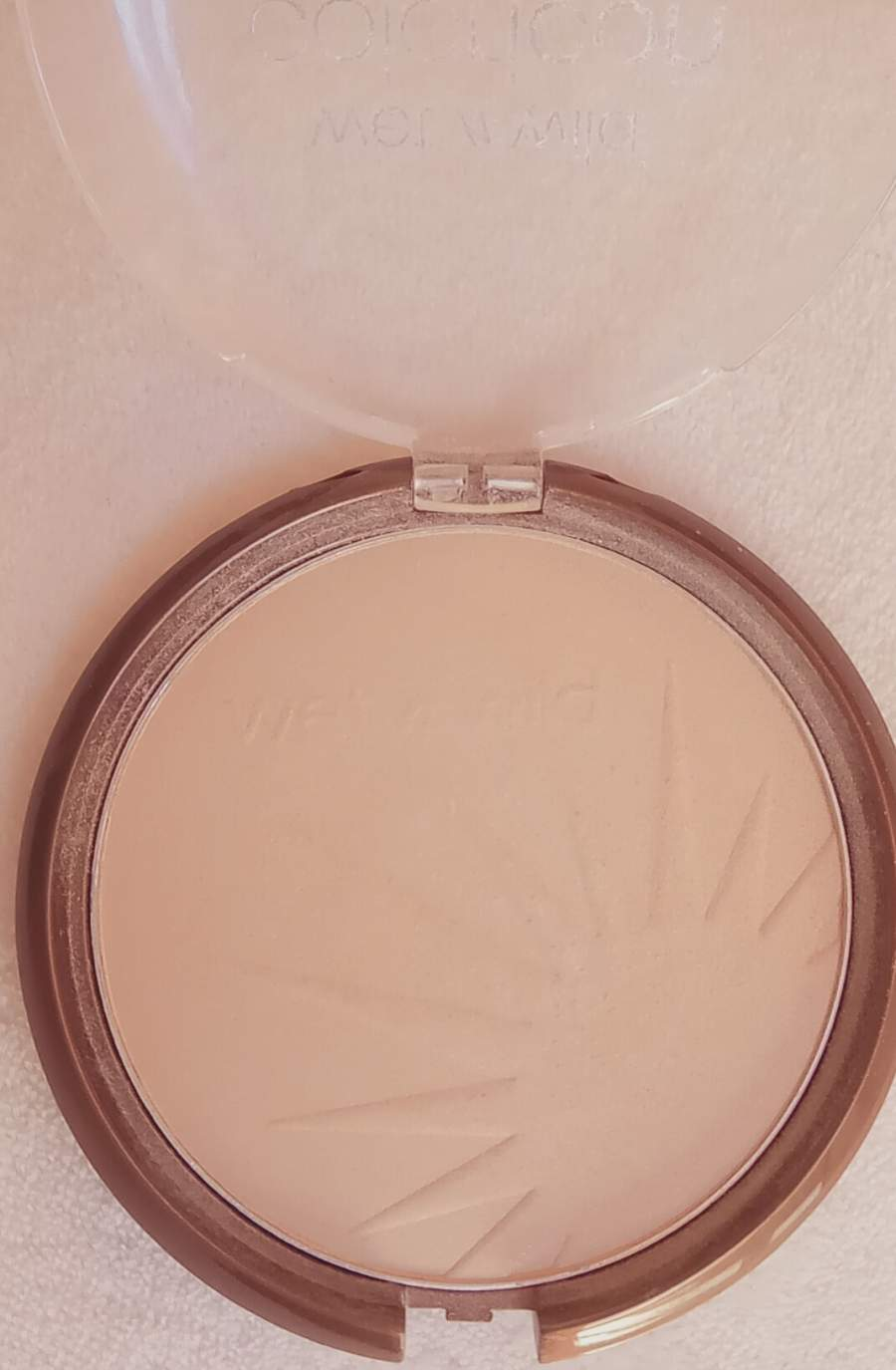 Wet N' Wild - Bronzer Color Icon SPF15 - E7431: Reserve Your Cabana