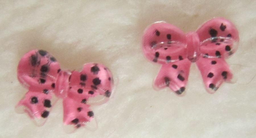 Laços Cor de Rosa com Bolinhas Pretas - 1 Par