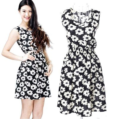 Vestido Preto Com Flores Brancas