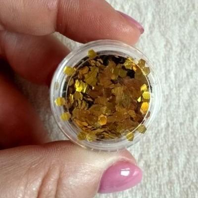 Confetis Dourados Hexagonais