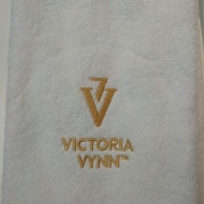 Toalha Victoria Vynn - Símbolo Dourado