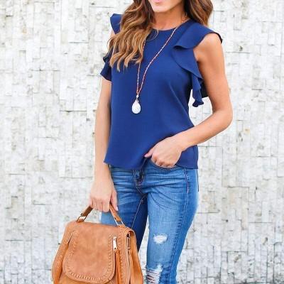 Blusa Azul com Folhos nos Ombros