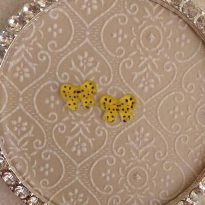 Laços Amarelos com Bolinhas - 1 Par