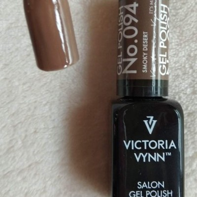 Victoria Vynn Verniz Gel Nº 094 - Smoky Desert - 8 ml