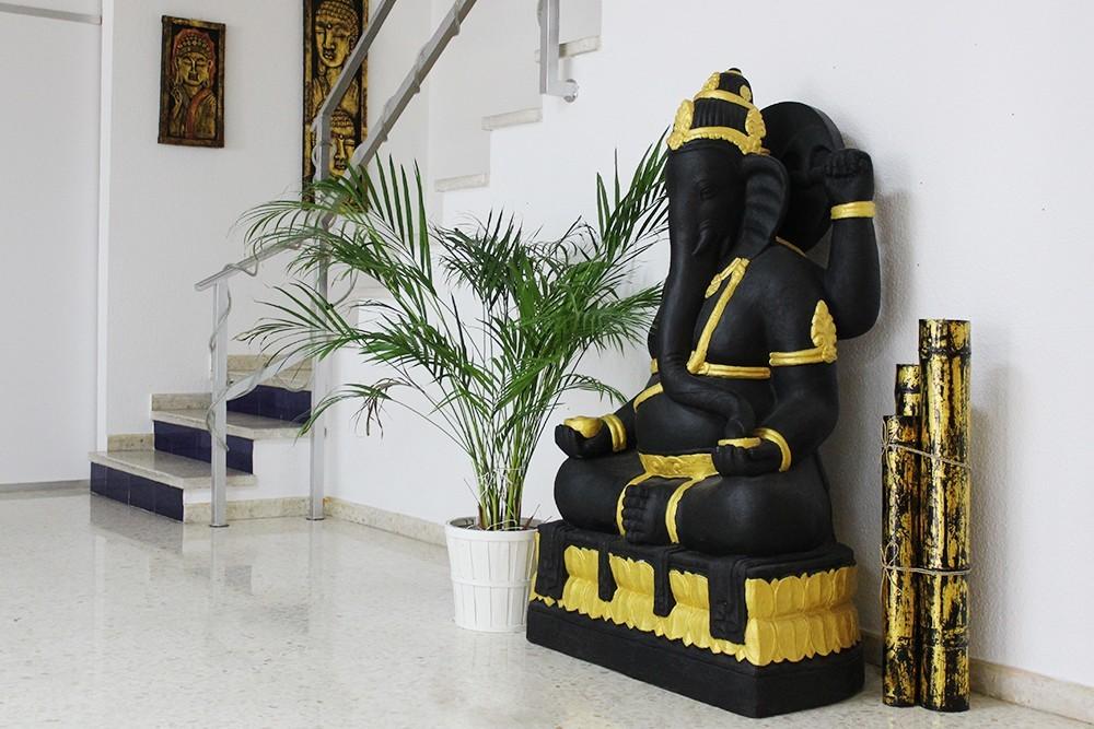 Estátua Ganesha Preto e Dourado 1.40m