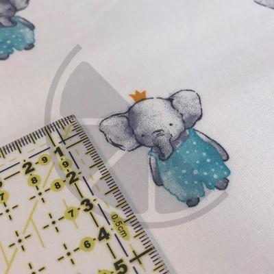 Elegant Elephant - fundo branco