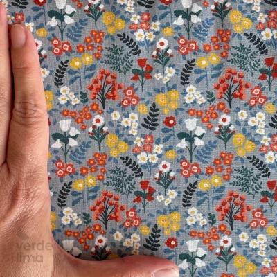 Flores da primavera - Fundo azul ganga