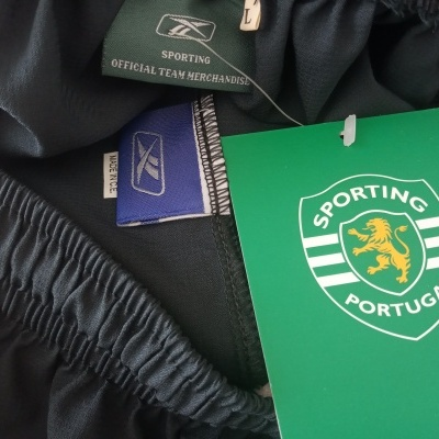 NEW Sporting CP Home Football Shorts 2005-2006 (L)