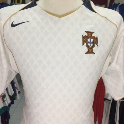 Portugal Away Shirt 2004 (L)